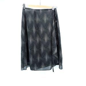 Tribal Brand Black &White Chiffon Skirt Sz 4